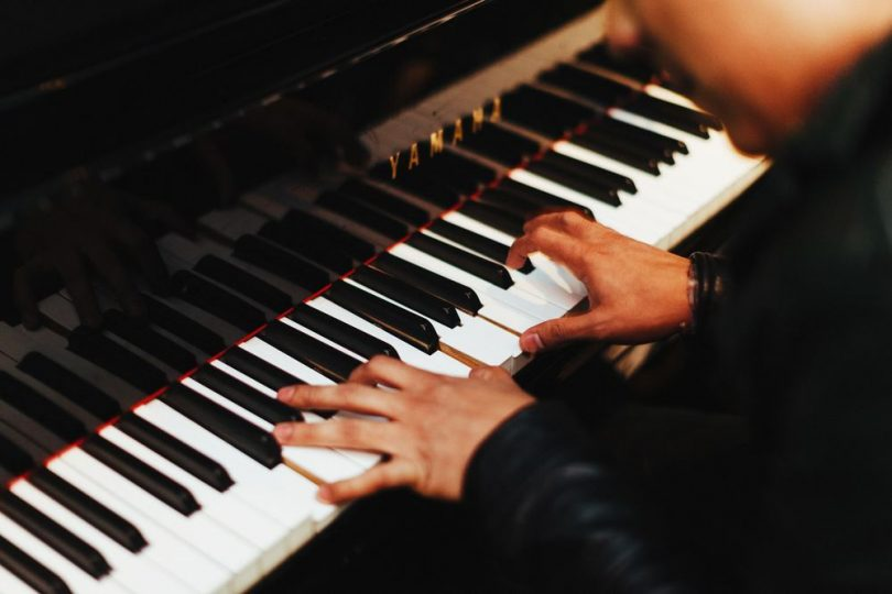 Musik maestro!